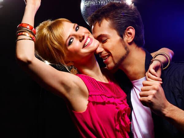 Tanzkurse in Kiel - Gesellschaftstanz und Party-Crash-Kurse